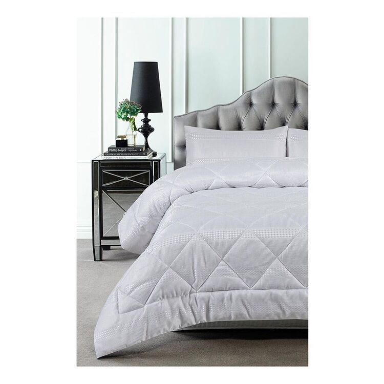 ACCESSORIZE WAFFLE 3 PIECE JACQUARD COMFORTER SET QUEEN BED