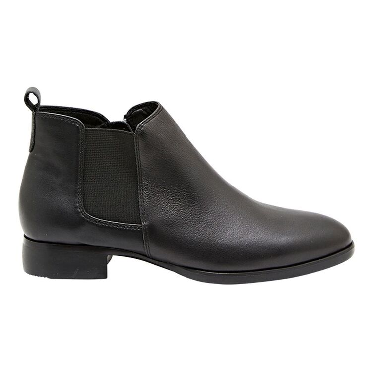 HUSH PUPPIES NAMUR LEATHER GUSSET BOOT WITH INSIDE ZIP