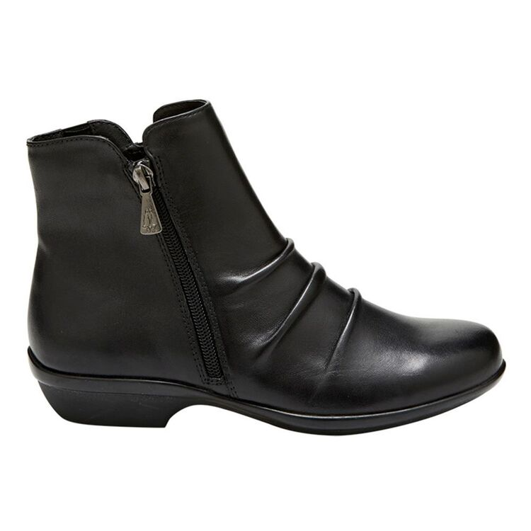 HUSH PUPPIES PAULETTE LEATHER RUISHED BOOT WITH SIDEZIP