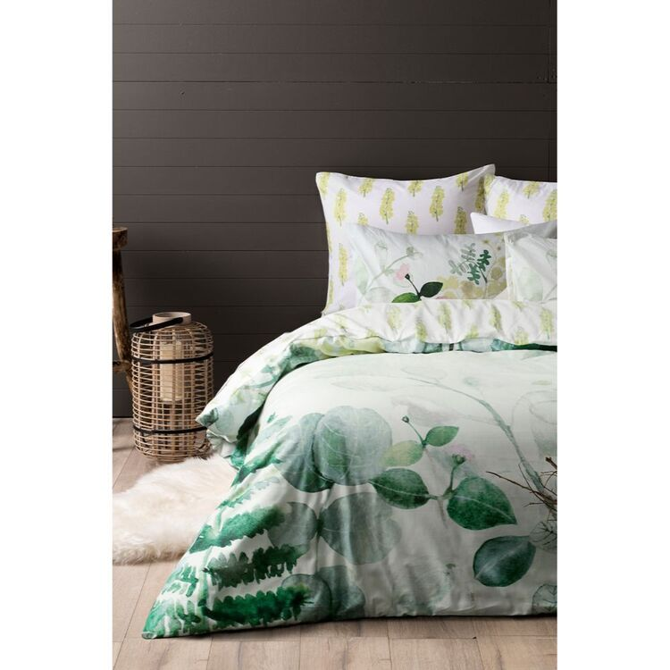 DRI GLO LILY QUILT OVER SET QUEEN BED