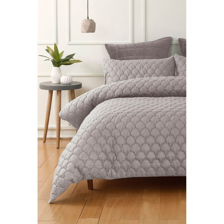 PHASE 2 SPEARWOOD EMBOSSED QUILT COVER SET QUEEN BED